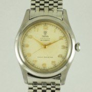 チュードルハーフローター自動巻紳士用腕時計
