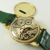 UNIVERSAL ムーンフェイズ手巻腕時計