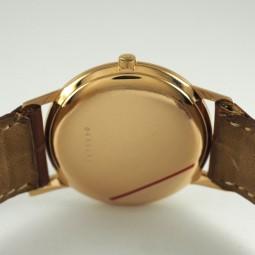 SWISS MADE 手巻腕時計