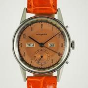 MOVADOトリプルカレンダー腕時計