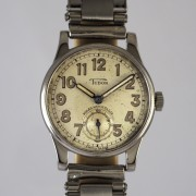 TUDOR手巻腕時計