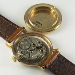 SWISSMADE手巻腕時計           sm03106
