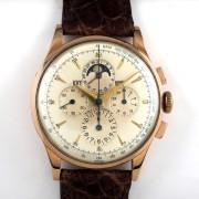 UNIVERSALトリコンパックス手巻腕時計
