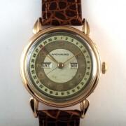 MOVADOトリプルカレンダー手巻腕時計     mo03881